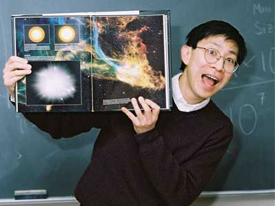 """Charles Liu, instructor of the Macaulay Honors College seminar """"Science and Technology in NY"""""""