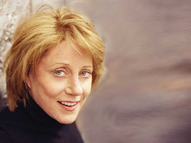 Meet Lesley Gore after she performs new tunes and classic hits at the CSI Center for the Arts.