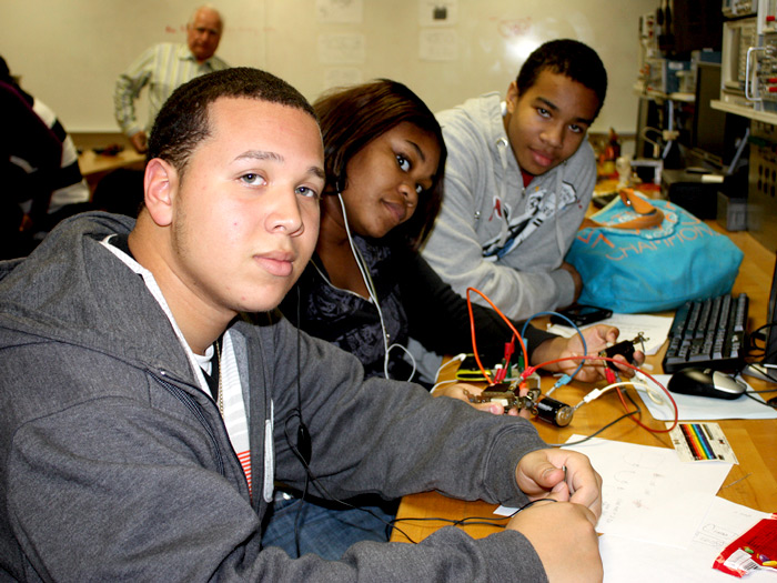 Students from Curtis H.S. learn about engineering at CSI at workshops sponsored by National Grid.